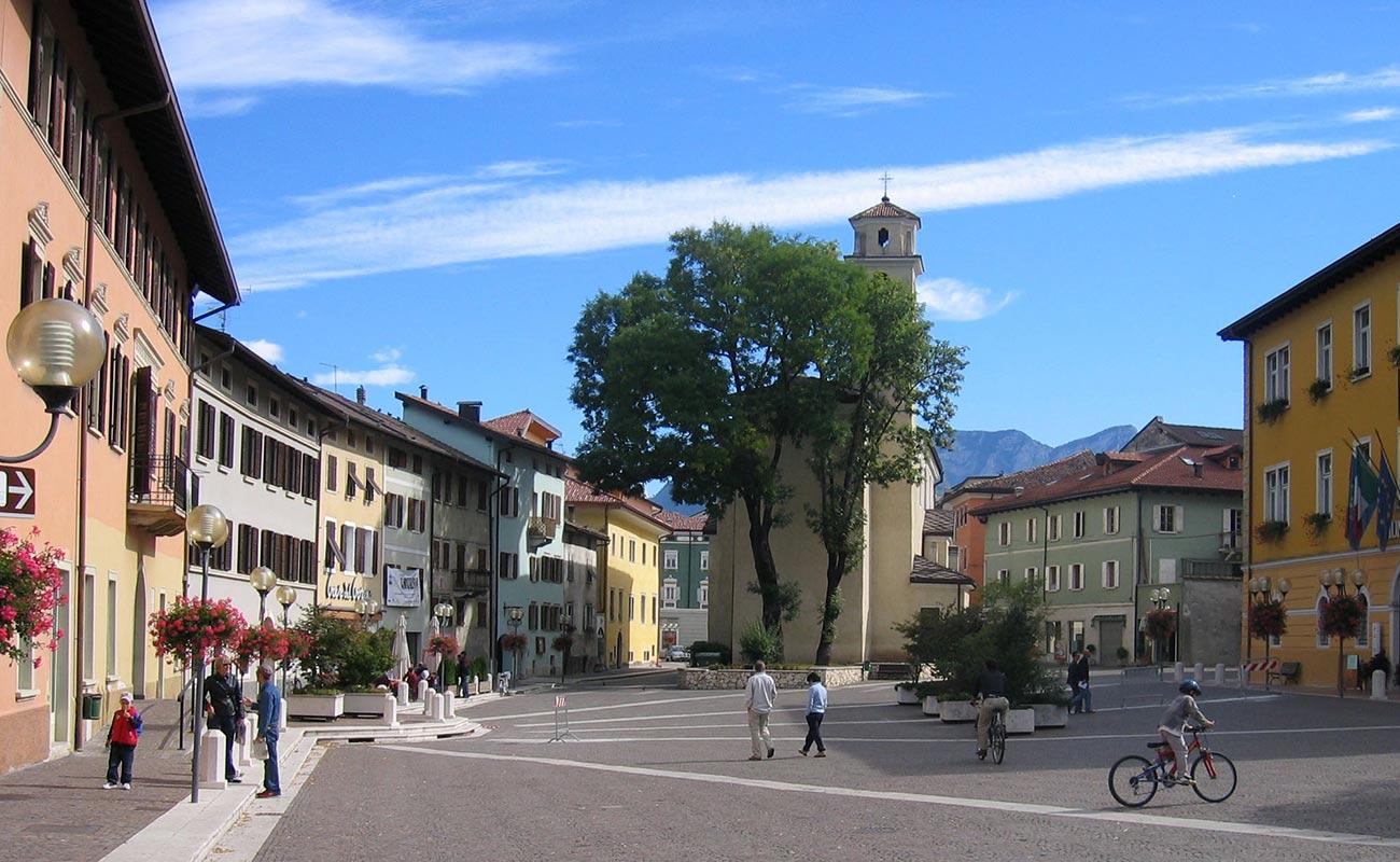 borgo-valsugana-piazza-paese-02